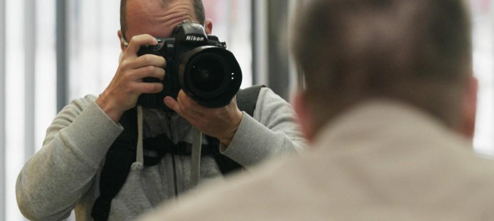 Stefan aus Kaiserslautern fickt vor der Kamera