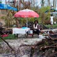 Eine Lebensmittelverkäuferin wartet nach dem Hurrikan Jeremie auf Kundschaft.