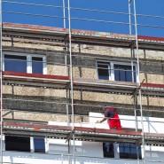 In Halle an der Saale wird ein Gebäude saniert.