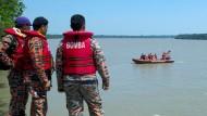 Boot mit Dutzenden Passagieren gesunken