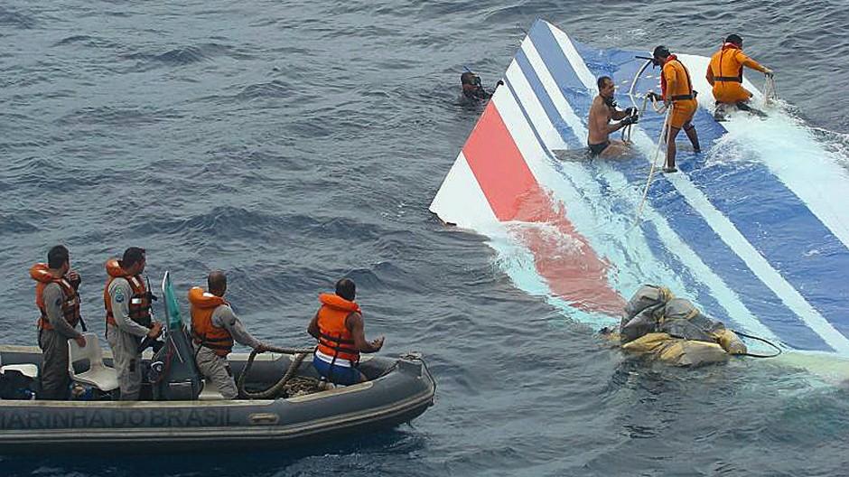 Die Air-France-Maschine stürzte am 1. Juni 2009 auf dem Nachtflug von Rio nach Paris ab.