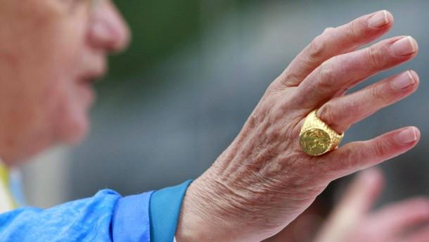 Papst in Österreich - Benedikt XVI. bei Messe - Ring
