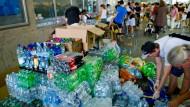 Polizei bittet Münchner, keine Hilfsgüter mehr zu bringen
