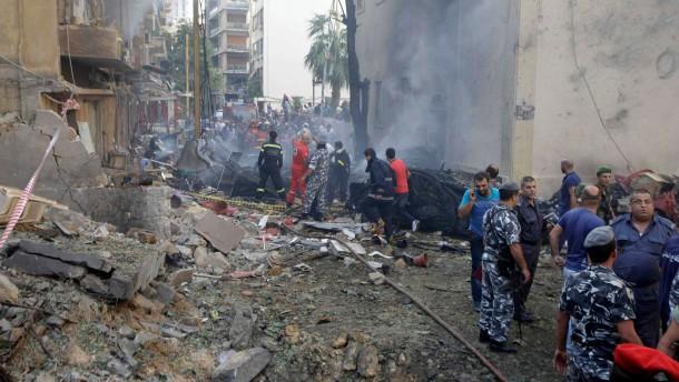 Tote und Dutzende Verletzte bei Bombenanschlag in Beirut