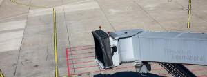 Passagiertunnel auf dem Flughafen Düsseldorf: Muss der Tunesier Sami A. nach Deutschland zurückgeholt werden?