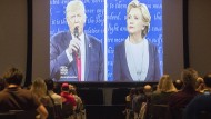 Das zweite Fernsehduell zwischen Hillary Clinton und Donald Trump wird vielerorts live übertragen.