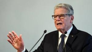 Gauck: Migranten müssen Deutschland und seine Werte akzeptieren