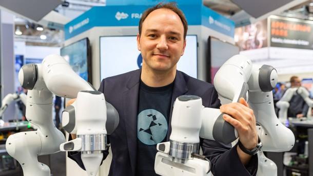 Mit deutschen Kleinrobotern auf den Spuren von Google
