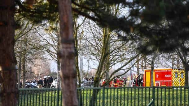 Mindestens ein Toter bei Messerattacke in Paris
