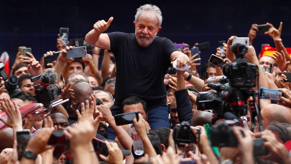 Von Teilen Brasiliens wie der Heiland gefeiert: Der ehemalige, sozialdemokratische Präsident Luiz Inacio Lula da Silva, kurz Lula.