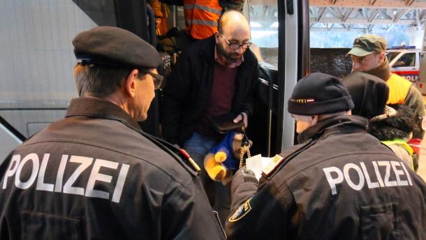 Österreich schafft Obergrenze für Flüchtlinge