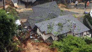 Hunderttausende müssen in Japan Häuser verlassen