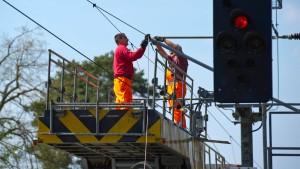 Metalldiebe legen Bahnverkehr lahm
