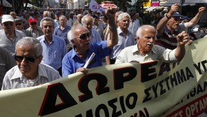 Rentenkürzungen in Griechenland waren rechtswidrig