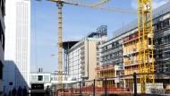 Daseinsfürsorge: Das kommunale Darmstädter Klinikum bekommt einen neuen Zentralbau mit Hubschrauberlandeplatz.