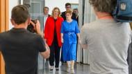 Kramp-Karrenbauer wieder Ministerpräsidentin
