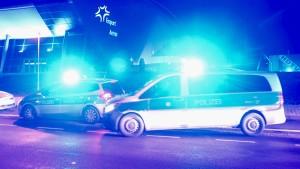 Eintracht-Hooligans provozieren Massenprügelei