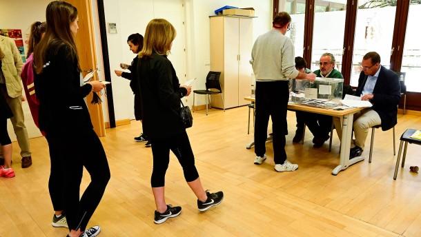 In Spanien zeichnet sich hohe Wahlbeteiligung ab