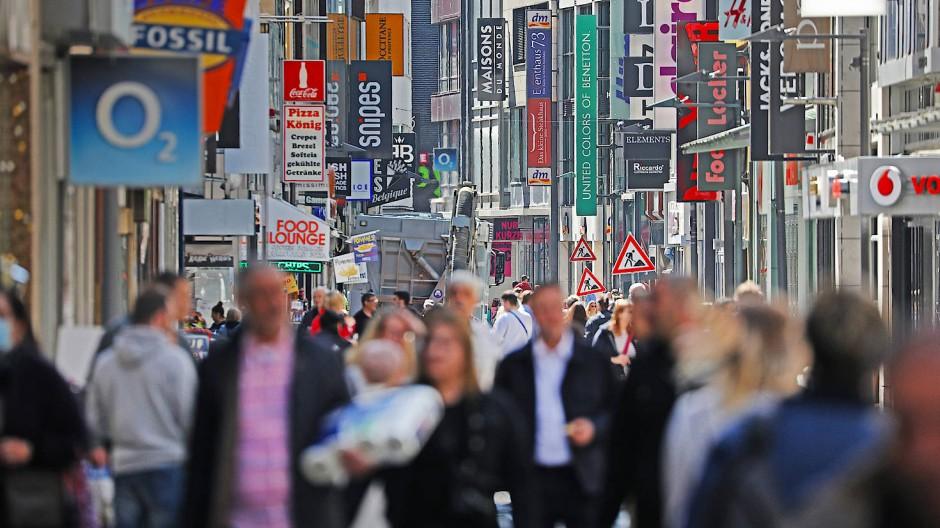 """Nicht wenige Einzelhändler müssen in der Krise aufgeben. Einige haben schon, andere machen als """"Zombieunternehmen"""" weiter."""