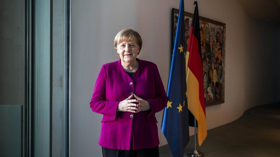 """""""Frei leben zu können, wird kein Privileg sein"""": Angela Merkel im Kanzleramt"""