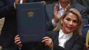 Weg für Neuwahl in Bolivien frei