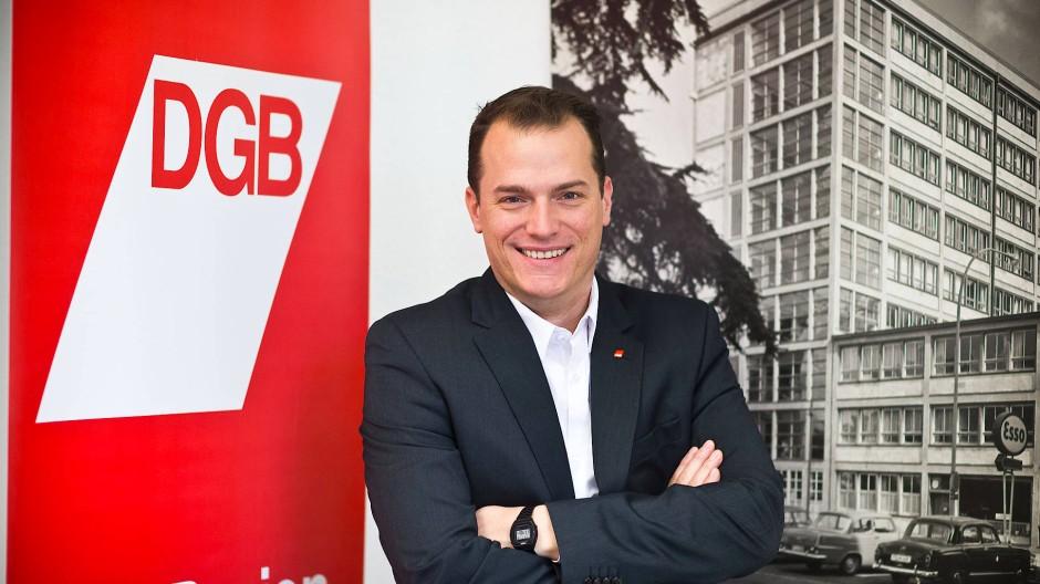 Für einen Mietenstopp: Philipp Jacks ist Vorsitzender des DGB-Stadtverbands Frankfurt.