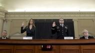 Jennifer Williams und Alexander Vindman bei der Befragung am Dienstag im Kongress.