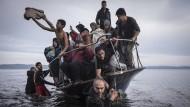 Migranten kommen an der türkischen Küste an
