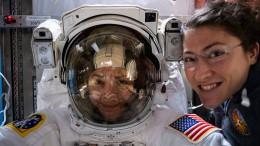 Erstes Frauenduo auf Außeneinsatz im Weltall