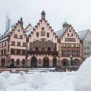 Weiße Pracht: Über Frankfurt hat sichzuletzt ein Zauber gesenkt, der selten geworden ist in den tieferen Lagen.
