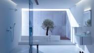 Privates Spa: Ein Bad der Luxus-Klasse kostet schnell 50.000 Euro. Hier sammeln die Deutschen Kraft und Energie, im Schnitt 40 Minuten am Tag