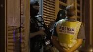 Die Ermittlungen der spanischen Polizei dauern an.