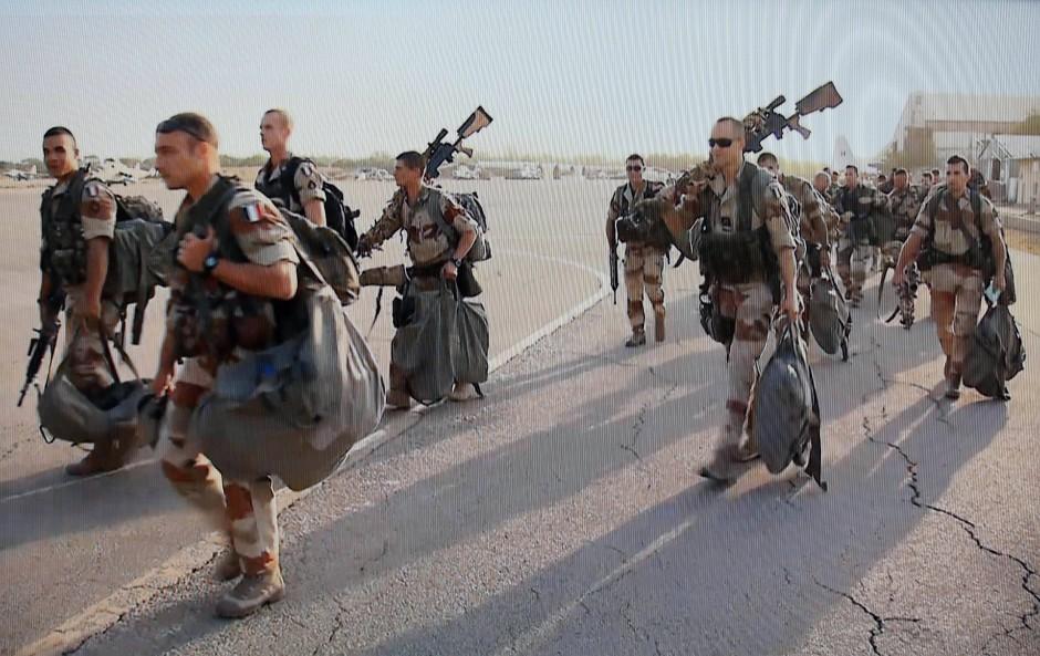 Kampfeinsatz in Mali: Französische Truppen verlassen die Militärbasis N'Djamena im Tschad
