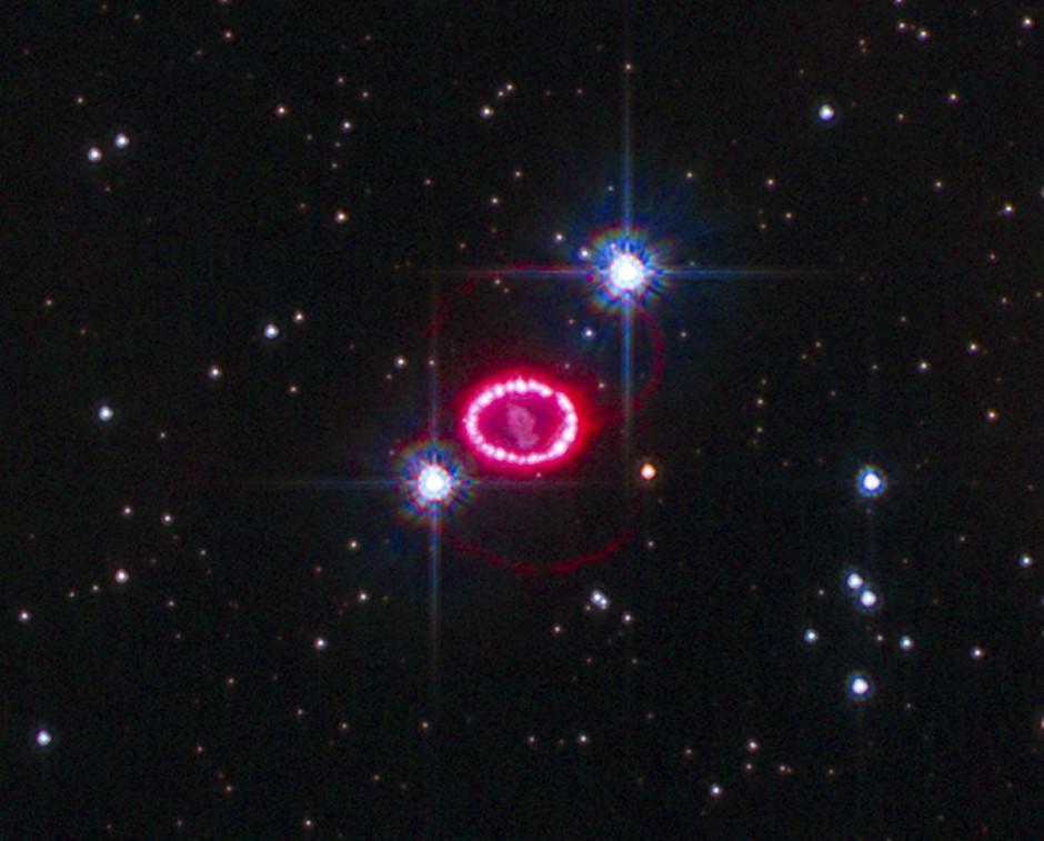 Die Supernova SN 1987A war bislang das einzige Ereignis, das sowohl anhand von Neutrinos als auch elektromagnetischer Strahlung untersucht werden konnte.