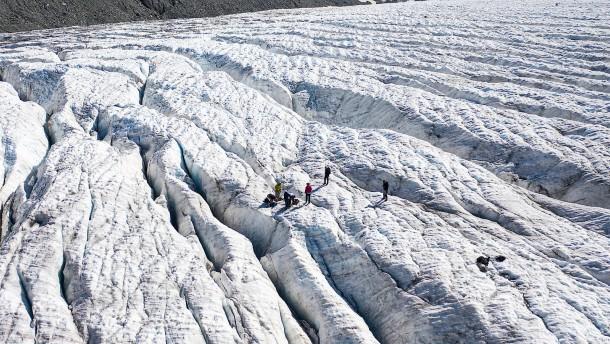 Wie Gletscher mit Kunstschnee gerettet werden sollen