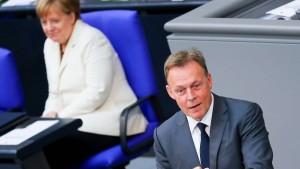 "Oppermann hält Seehofers Merkel-Kritik für ""völlig deplatziert"""