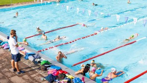 Klartext im Schwimmbad