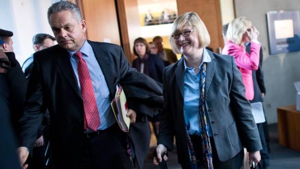 Generalstaatsanwalt soll Interna zu Wulff und Edathy verraten haben