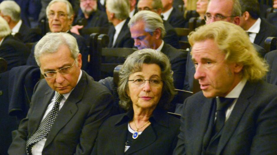 Salomon Korn an der Seite seiner Frau Maruscha Rawicki und Thomas Gottschalks bei der Trauerfeier