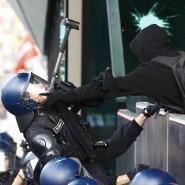 Zwischen Polizei und Demonstranten kam es zu gewalttätigen Auseinandersetzungen