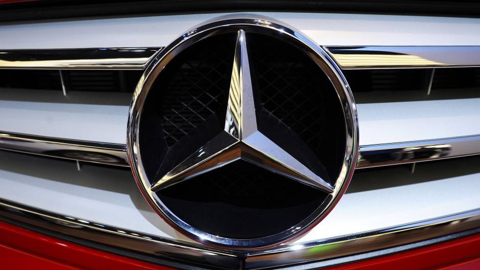 Kriminelle hatten das Fahrzeug einem norddeutschen Autohaus bei einer Probefahrt entwendet. (Symbolbild)