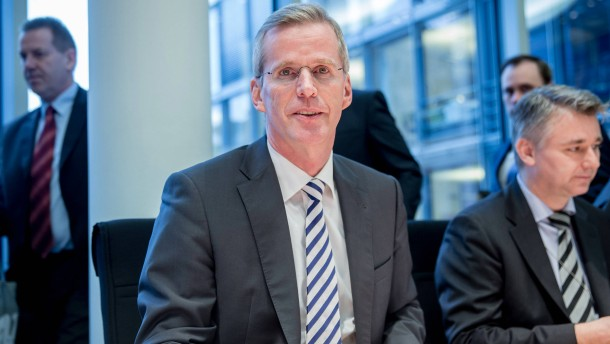 CDU-Innenpolitiker will Vollverschleierungen in Öffentlichkeit verbieten
