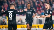 """Sie wissen, was sie aneinander haben: """"Die Stärke von Eintracht Frankfurt"""", sagt Wolfgang Steubing, """"kommt über das Kollektiv."""""""