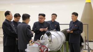Kim präsentiert angeblich raketenfähige Wasserstoffbombe
