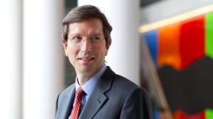 Daniel von Borries, 50, ist Chefanleger und Mitglied des Vorstandes des Versicherungskonzerns Ergo. Er trägt dort für 128 Milliarden Euro die Verantwortung.
