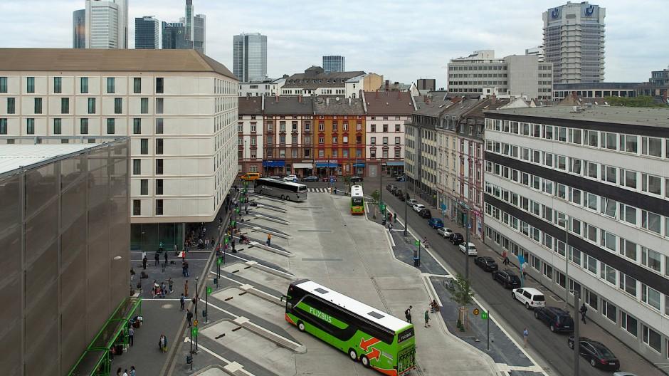 Viel Platz: Der Busbahnhof an der Pforzheimer Straße ist noch nicht vollendet