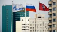 Vor der Gasprom-Zentrale in Moskau: Die Einnahmen kommen auch dem russischen Staatshaushalt zugute