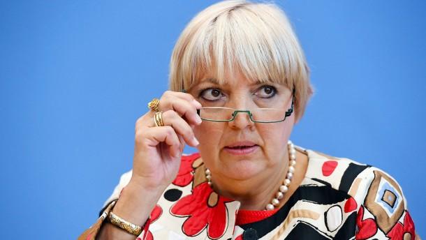 AfD-Fraktion wirft Bundestagsvizepräsidentin Rechtsbruch vor