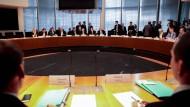 Der Untersuchungsausschuss zur Berater-Affäre tagt im Verteidigungsministerium.