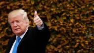 Schon wenige Wochen nach der Wahl hat der designierte Präsident Donald Trump einige zentrale Wahlversprechen relativiert.